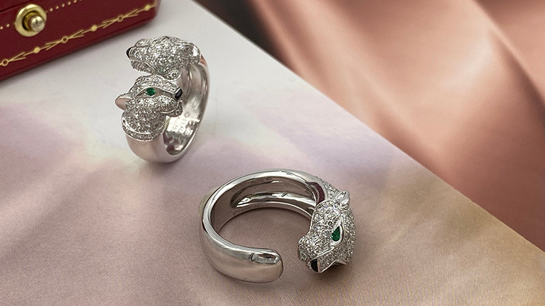 Cartier Ring panthere diamond emerlad